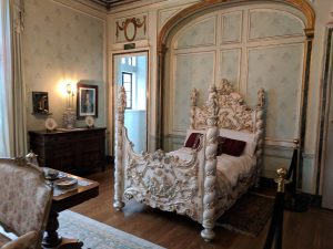 Windsor Room bed