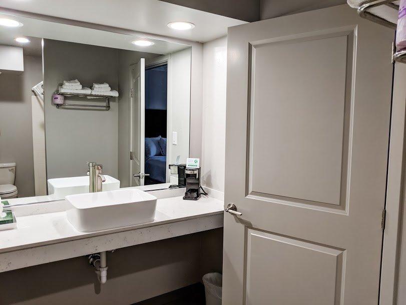 Americana Modern Hotel Redding California bathroom